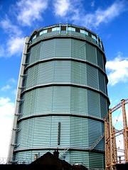 19.10.06  Gasometor, Battersea (TimBurnsArt) Tags: london industrial battersea gassometer lptowers