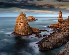 Los urros (LANTADA Fotografia) Tags: mar paisaje urros cantabria atardecer panoramica liencres españa roca