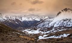Hochpass (alicefotoland) Tags: schweiz berge alpen schneeschmelze gebirgszug hochpass