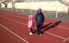 ode à la joliesse (Bambou C) Tags: girls shadow portrait black cute smile proud running sweetheart cuteness filles fillettes