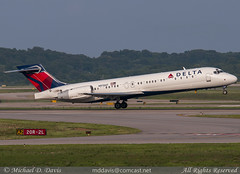 Delta Air Lines Boeing 717-2BD (N970AT) (Michael Davis Photography) Tags: airplane photography nashville aviation flight jet delta boeing departure takeoff runway dl bna deltaairlines boeing717 b717 ksdf kbna nashvilleairport n970at