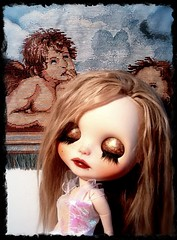 Toy-in-the-Frame Thursday & Blythe-a-Day #6 Wings: Alexandrina Floats...