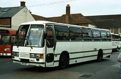 B6878D SR BPR99Y Salisbury 25 Jun 83 (Dave58282) Tags: bus 3099 shamrockrambler bpr99y