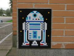 Space Invader ROM_73 (tofz4u) Tags: roma rome italie italia streetart artderue invader spaceinvader spaceinvaders mosaïque mosaic mosaico tile rom73 esa esrin r2d2 droid