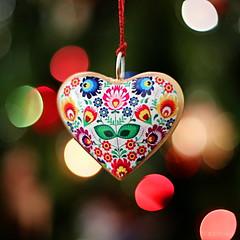boken heart (amazingstoker) Tags: boke bokeh heart decoration festive xmas yule christmas colour light tree pretty hanging balls thread cord happy new year 2017 broken