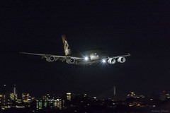 A6-APA Etihad Airways Airbus A380-861 SYD/YSSY 1/6/2015 (TonyJ86) Tags: nightphotography travel night plane airplane fly airport nikon aircraft aviation flight jet sydney large australia aeroplane mascot landing international nsw airbus a380 newsouthwales passenger arrival approach syd etihadairways noisy airliner highiso sydneyairport widebody jetliner planespotting yssy etihad superjumbo quadjet a380800 a388 d7100 a380861 sydneykingsfordsmith nikkor70200mmf28vrii nikond7100 a6apa