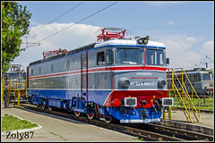 40-0736-1 (Zoly060-DA) Tags: blue red white green electric clouds grey romania license co depot locomotive 5100 freight marfa kw craiova cfr repaired pantograph asea dej repainted electroputere triaj irlu