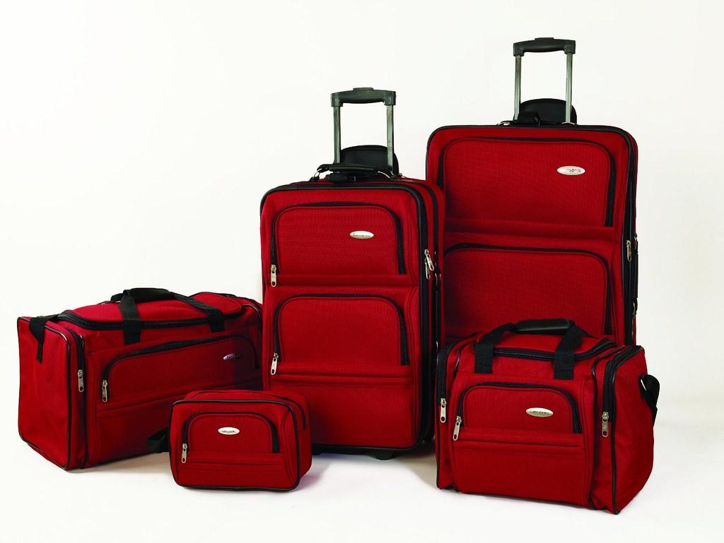 2Chọn vali với kích cỡ phù hợp, tiện lợi