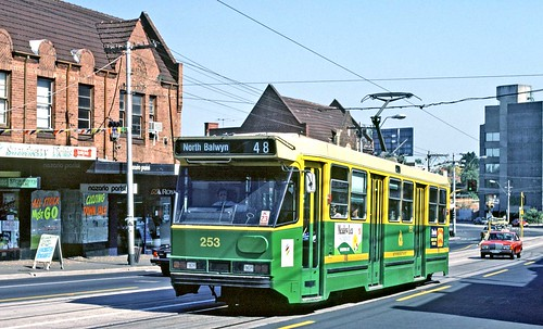 MTA Melbourne: 253 - 1985 Class A1 car in High Street, Kew, Route 48