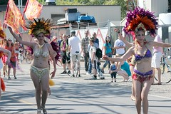 Parade Dancers (Chicago John) Tags: seattle fair fremont parade solstice 2015 fremontfair