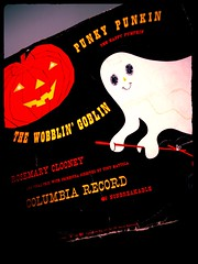 Punky Punkin The Happy Pumpkin (luvehorror) Tags: ghosts rosemaryclooney vintagechildrensrecord punkypunkin vintagehalloweenrecord retrohalloweenmusic thewobblingoblin