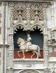 Donald Trump (in his dreams): A mounted statue of King Louis XII (early 16th C.), above the main entrance of the Château de Blois, Loir-et-Cher, France (Hunky Punk) Tags: statue mounted equestrian king louis xii château blois loiretcher loire valley france renaissance sculpture horse horseback centre donaldtrump dream selfimage megalomania narcissism