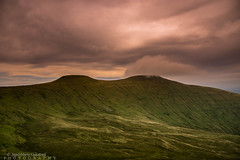 Sunset at the countryside. (JamieMarie Oaksford) Tags: wales walesuk breconbeacon natioanlpark sunset countryside uk landscape photography walescountryside lushgreen