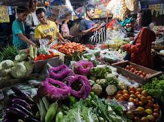 Pasar Legi - Surakarta (Solo City) (ARIAMAN) Tags: solo surakarta kotasolo jawa java jawatengah indone indonesia market traditional tradition pasar pasarlegi bargain