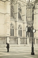 Cold and beauty (sonia.sanre) Tags: cold winter leon cathedral clock woman beige neutral beauty