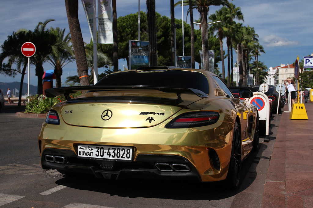 The world 39 s best photos of f1 and gold flickr hive mind for Garage mercedes cannes