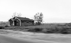 Passing by this old house (Swede1969) Tags: 3652017 abandoned empty derelict fogotten
