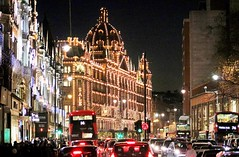 Bright lights of Knightsbridge, London (markwilkins64) Tags: harrods traffic lights london buses canon route 14 74 414 sale bromptonroad shops night
