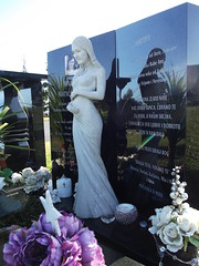 Delightedly expectant mum (Discover Waikumete Cemetery) Tags: waikumetecemetery headstone martina martinamatickennar