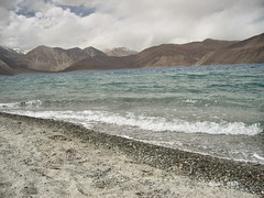 Pangong Lake view (sadashiv_rege) Tags: pangong lake ladakh leh kashmir siachen china india south asia google bing search tours vacations himalayas salt water tibet