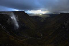 Fear the dark (Hector Prada) Tags: cascada nervión luz tormenta invierno viento paisaje waterfall light storm winter wind nature hectorprada d610 wild