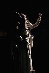 Live Statue!