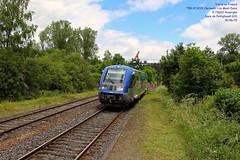 Train TER n°873205 Clermont-Ferrand > Le Mont-Dore - Pontgibaud (63) - 19/06/15 (Trains en France) Tags: train gare auvergne ter ater lemontdore sémaphore x73500 autorail laqueuille pontgibaud automoteur régionauvergne