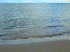 die Ostsee  ruhig wie ein See (Sophia-Fatima) Tags: ocean mer deutschland meer balticsea ostsee schleswigholstein scharbeutz ostholstein