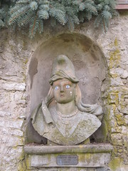 Kromsdorf (happycat) Tags: germany thüringen skulptur kromsdorf nische lkweimarerland ilmtalweinstrase