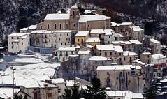 the fountain (a little snowy manger) (eudibi) Tags: lagonegro snowy snow white potenza italy basilicata sony alpha ilce mirrorless manger crib presepe lucania paesaggio innevato