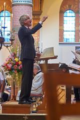 Bert Stolwijk Conducting, Heemskerk, 2016 (pmhudepo) Tags: laurentiuskerk kerk church kerkdienst churchservice music bertstolwijk conducting conductor laurentiuskoor dirigent dirigeren nikondf nikonai10525