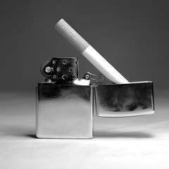 Ataud (Luis Dudamel) Tags: white black macro blanco studio shoe bottle nikon shoes key lock cigarette negro estudio zapatos needle 1750 tamron bnw llave botella cigarrillo candado