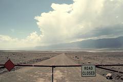 Road Closed (Pakinho10) Tags: deathvalley california road deathvalleynationalpark airelibre outdoor roadtrip cielo sky nubes clouds signal barrera closed cerrado camino way nationalpark