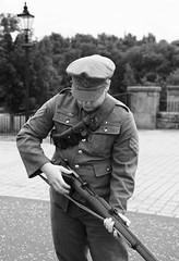 Sergeant demonstrates short Lee Enfield rifle. (IMG_4973) (Robert G Henderson (Romari).) Tags: museum soldier rifle july weapon ww1 summerlee 2015 coatbridge