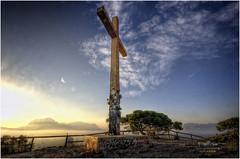(185/15) La Cruz de Benidorm (Pablo Arias) Tags: españa photoshop spain arquitectura alicante cruz cielo nubes hdr texturas benidorm photomatix pabloarias