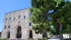 Palermo, Zisa (marcocassataro) Tags: palermo zisa arabo normanno unesco diavoli muqarnas sicilia sicily medioevo medieval