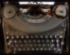 The Remington Noiseless Seven (MPnormaleye) Tags: classic keys office antique letters machine retro utata typing typewrter
