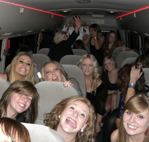 GirlsHensPartyBus