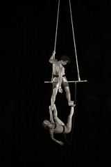 Montreal Compltement Cirque 2015 (Cyrielle Beaubois) Tags: show light summer people blackandwhite woman canada man festival artist shadows circus montreal duet qubec acrobats trapeze duels 2015 trapezium canonef70200mmf40lusm contorsion canoneos5dmarkii trapzistes cyriellebeaubois montrealcompltementcirque