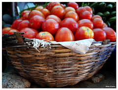 Basketful of Goodness (Manoj D'Souza) Tags: light red india colour fruit tomato juicy basket market south traditional tomatoes vegetable karnataka dsouza stacked luscious mangalore manoj dakshinakannada dakshina moodabidri moodbidri heaped manojphotography manojdsouza