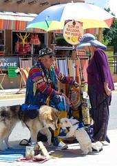 Meet & Greet (suenosdeuomi) Tags: newmexico santafe dogs balloons nikon farmersmarket busker dawson railyard busking vietnamvet peaceactivist niftyfifty 50mmf18g balloonblower nikond5100 raymasterson balloonsarefree