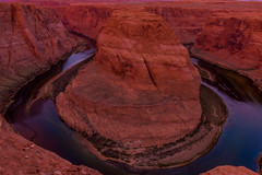 Sunrise on the bend (21mapple) Tags: sunrise sun horse horseshoe shoe ben bend horseshoebend canyon arizona page colorado outdoors outdoor outside out landscape rocks stones boulders