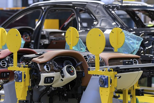 Экскурсия на завод Bentley в Крю, производство Bentayga
