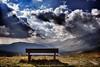 El banco de los recuerdos (Japo García) Tags: banco paisaje meditar pensar meditación contemplar contemplación oración rezar dios nubes drama tormenta cielo tierra sombras rayos de sol japo garcía foto