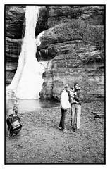 People Playing and Posing at Starved Rock (Heinz9577961) Tags: leicam2 leicaelmarit28mmf28 trix200 hc110b selfdevelop monochrome blackandwhite bw blackdiamond starvedrock