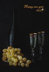1/52 Happy new year (M.P. Melián) Tags: happynewyear stilllife bodegon uvas grapes glass cup copa champan black mood