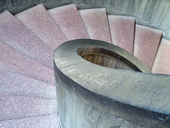 Central Staircase, Everson Museum of Art, Syracuse, New York (duaneschermerhorn) Tags: architecture architect building modern contemporary concrete concretearchitecture modernarchitecture contemporaryarchitecture museum gallery art artsts sculpture stairs steps staircase stairway spiralstaircase circularstaircase stone