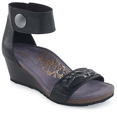 """Aetrex Becca sandal black • <a style=""""font-size:0.8em;"""" href=""""http://www.flickr.com/photos/65413117@N03/32111679244/"""" target=""""_blank"""">View on Flickr</a>"""