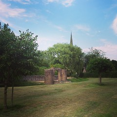 Photo of There are worse ways of spending your evening #earlshilton #earl #shilton #leicester #leicestershire #castle #church