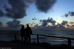 Us (Hugo Areal) Tags: ocean sunset pordosol sky praia backlight clouds contraluz mar céu nuvens pds